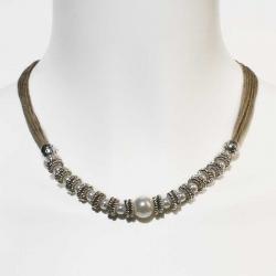 Collier boho chic et collier en lin et perles blanches