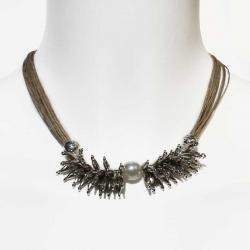 Collier boho chic en lin et collier de perles blanches et métal