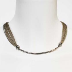 Collier ethnique bijoux lin fantaisie et bijoux naturel de créateur