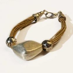 Bracelet ethique en lin et bijou naturel artisanal