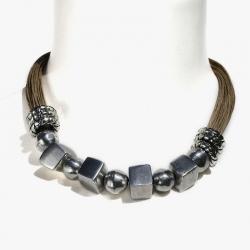 Collier ethnique perles brutes minimaliste