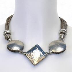 Collier ethnique en lin Rachelle - bijou lin oriental